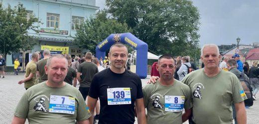 В Ужгороді відбувся Всеукраїнський забіг «Біжу за Героїв України» (фото)