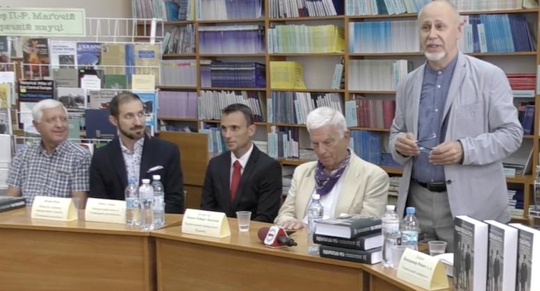 Презентація книги професора Магочі в Ужгороді супроводжувалася ксенофобськими висловлюваннями на адресу Великої Британії (відео)