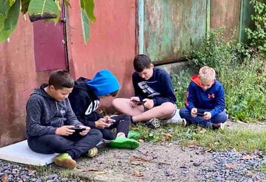 Жорстокі реалії життя мукачівських дітей мікрорайону Бороктелеп (відео)