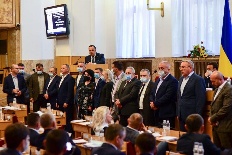 Опозиція в Закарпатській облраді вимагає переобрати голову та всі органи ради (відео)