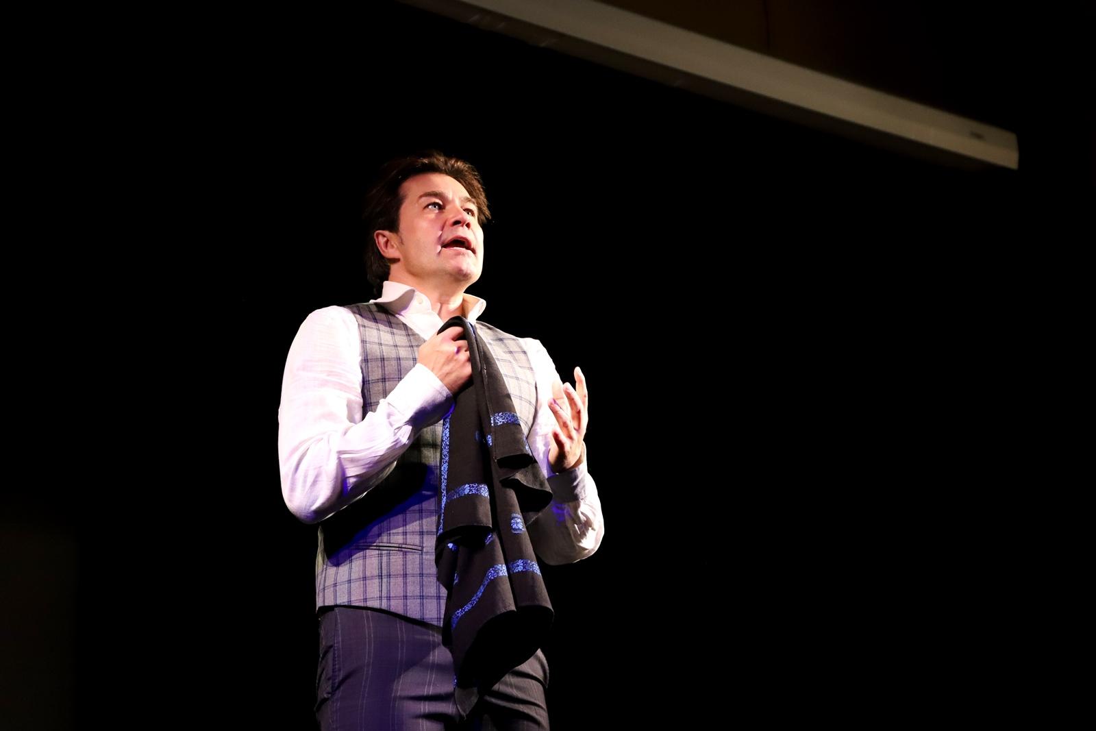 У Закарпатському облмуздрамтеатрі відбувся творчий вечір народного артиста України Євгена Нищука