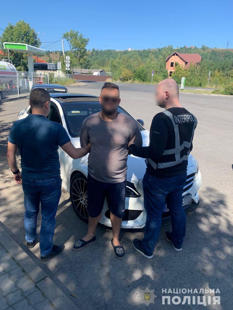 Розшукуваний Інтерполом румун-наркоторговець переховувався на Закарпатті