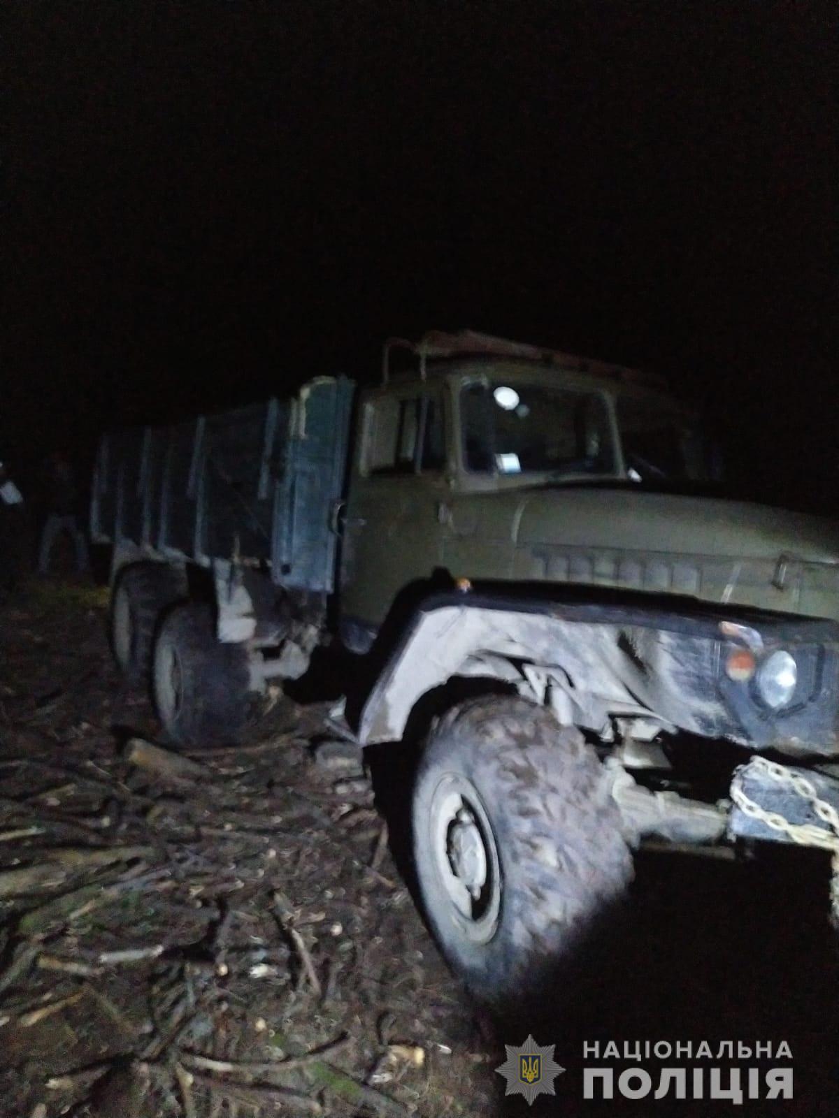 На Рахівщині п'яний водій вантажівки насмерть збив чоловіка
