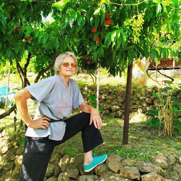 Закарпатка вирощує примхливі фісташки та цікаві фрукти