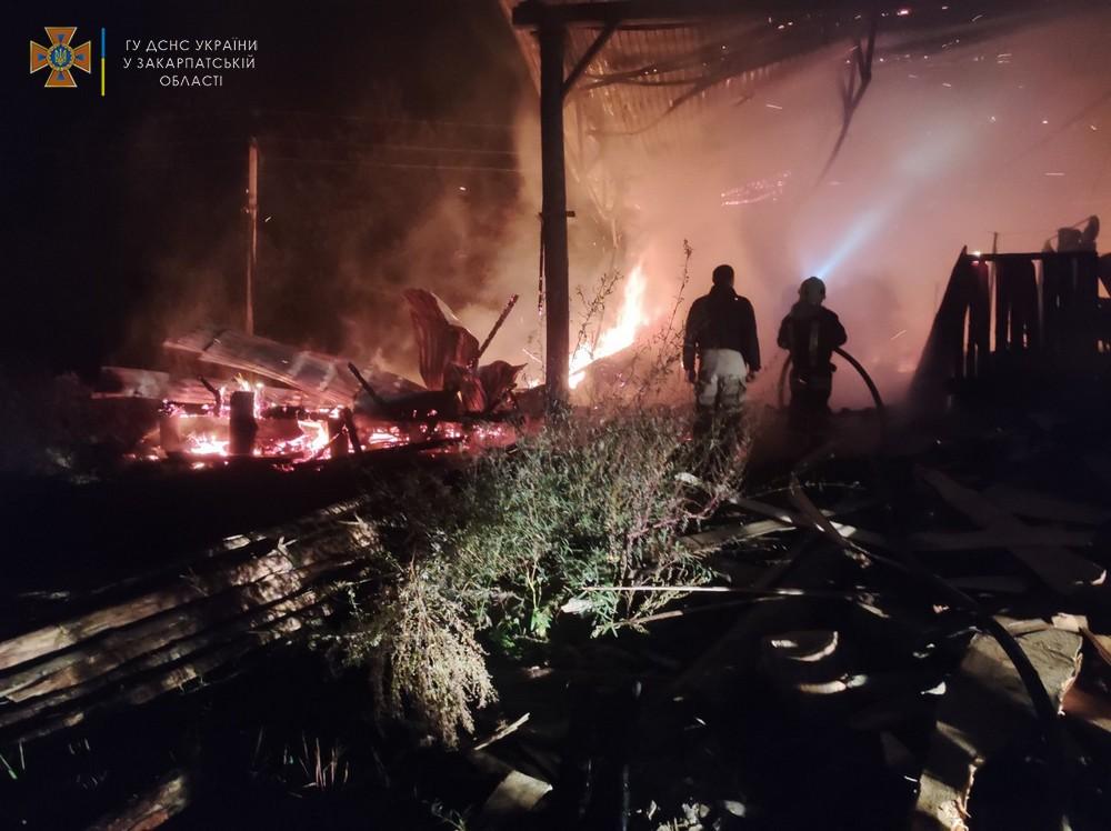 У деревообробному цеху в Нижніх Воротах вирувала пожежа
