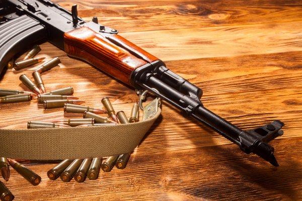 На Закарпатті поліція масово допитує власників зброї у справі замаху на Сергія Шефіра